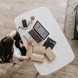 Come valorizzare l'angolo studio in casa?